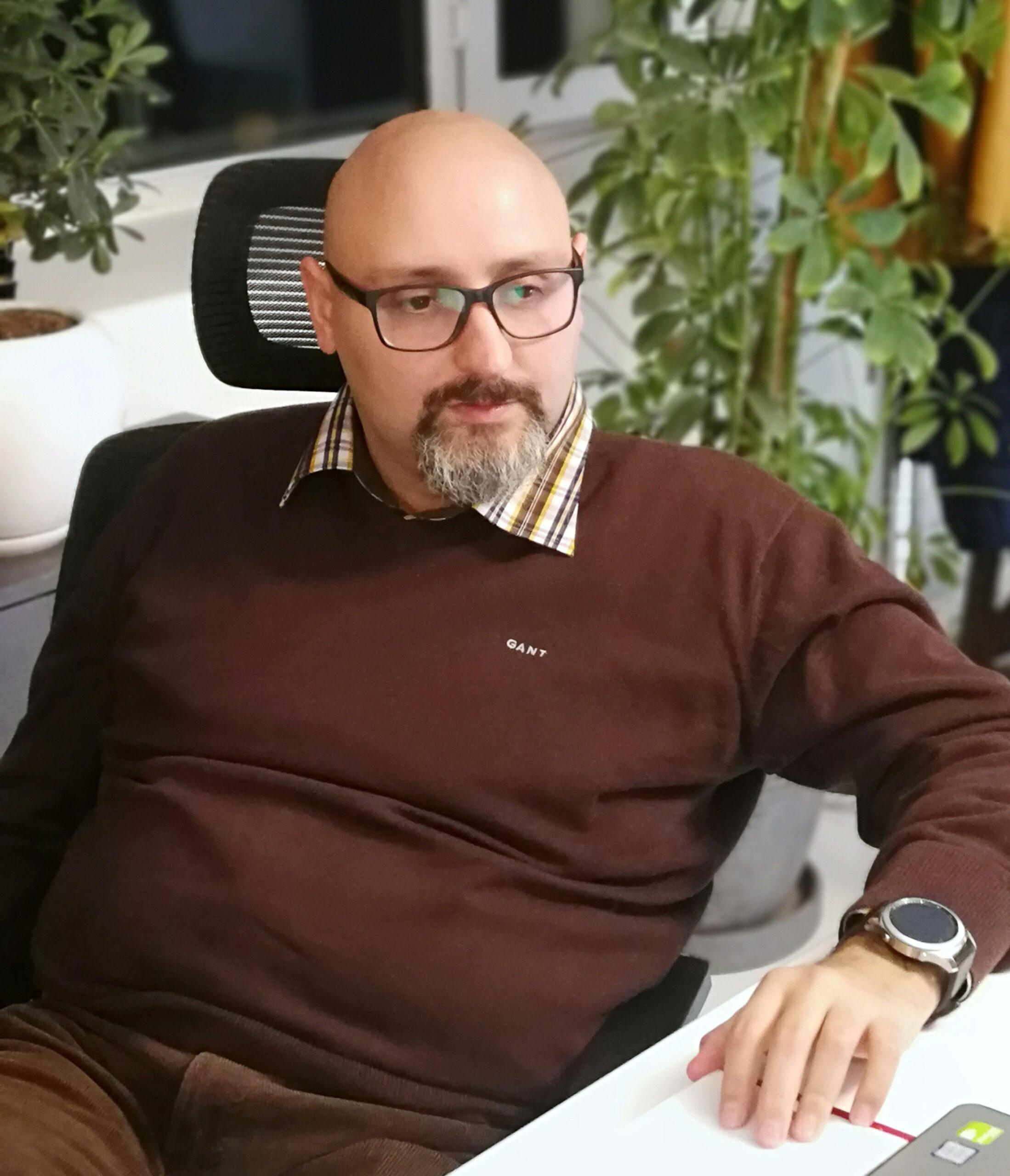 Kaveh Tahmasbi